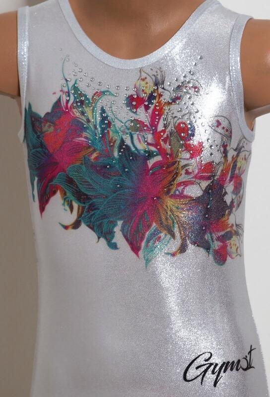 Gymnastický dres třpytivý Glitter flower focený z blízka předek